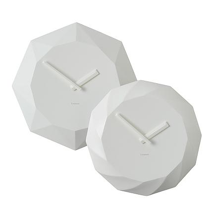 12面の規則的なカットがかっこいい壁掛け時計