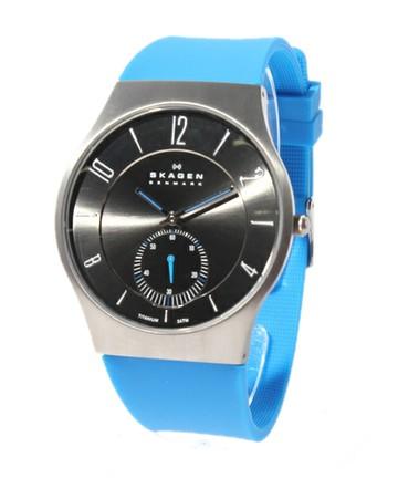 さわやかな色がかっこいい時計
