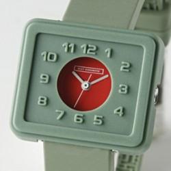 配色がとてもかっこいい腕時計