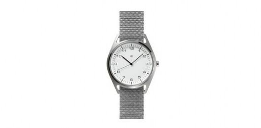 ±0のかっこいい時計